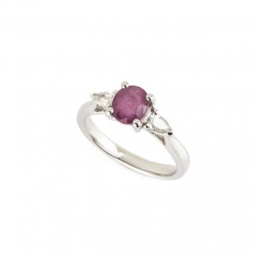 18k White Gold Oval Cut Ruby and Diamond Ring 0.99ct
